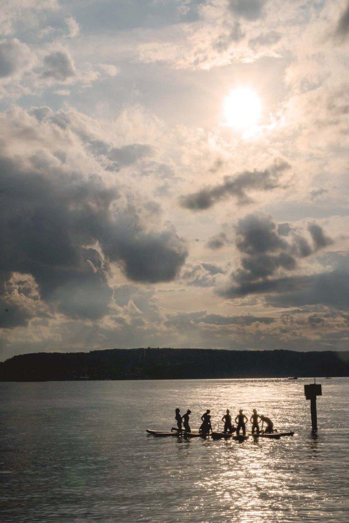 SUP Yoga auf dem Yogafestival am Bodensee.