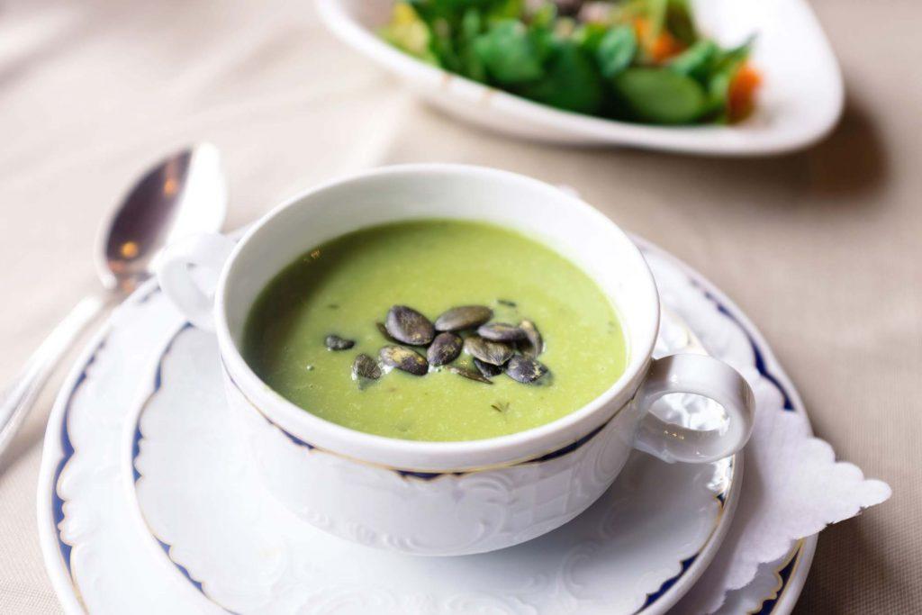 Suppe als gesundes Mittagessen