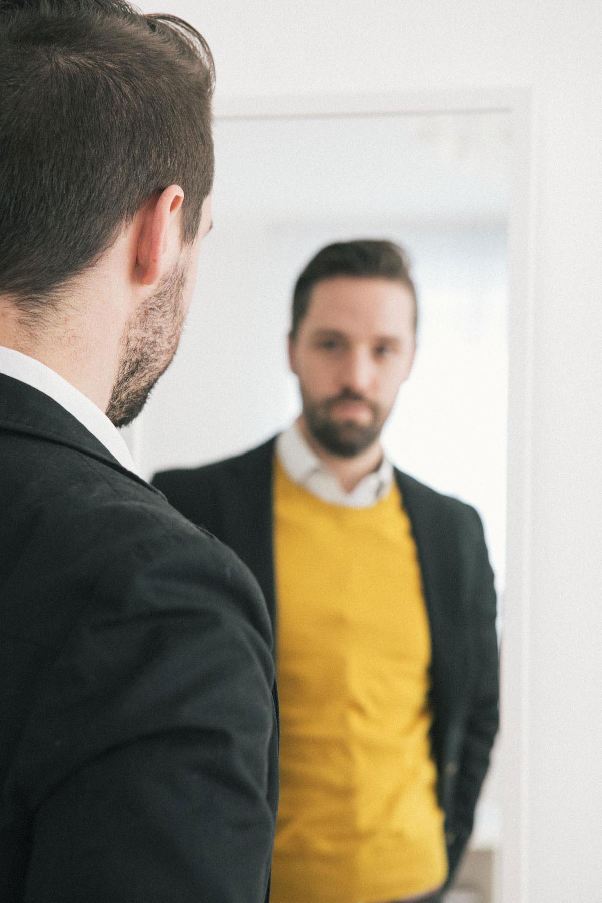 Dein Spiegel lügt. Die Wahrheit über Selbstwahrnehmung.