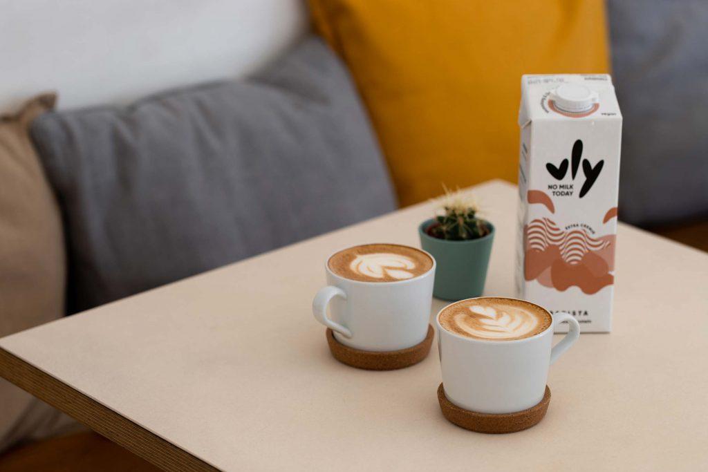 Erbsenmilch lässt sich auch zum Cappuccino aufschäumen!