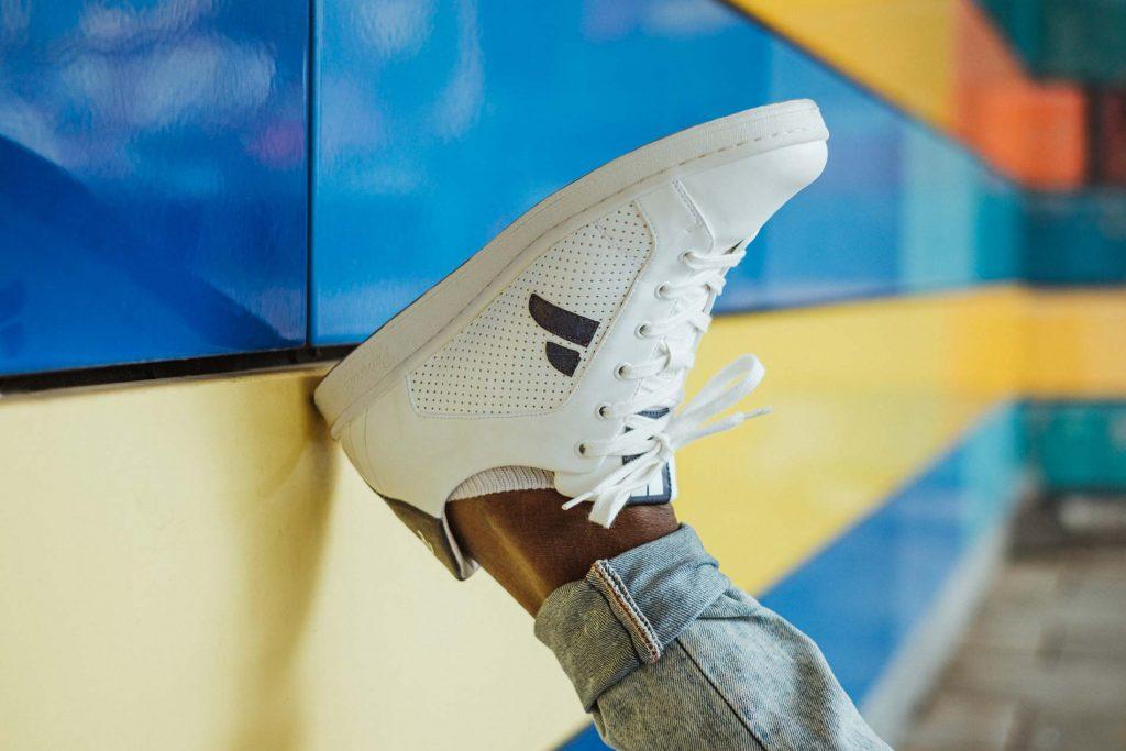 weiße vegane Sneakers paprcuts