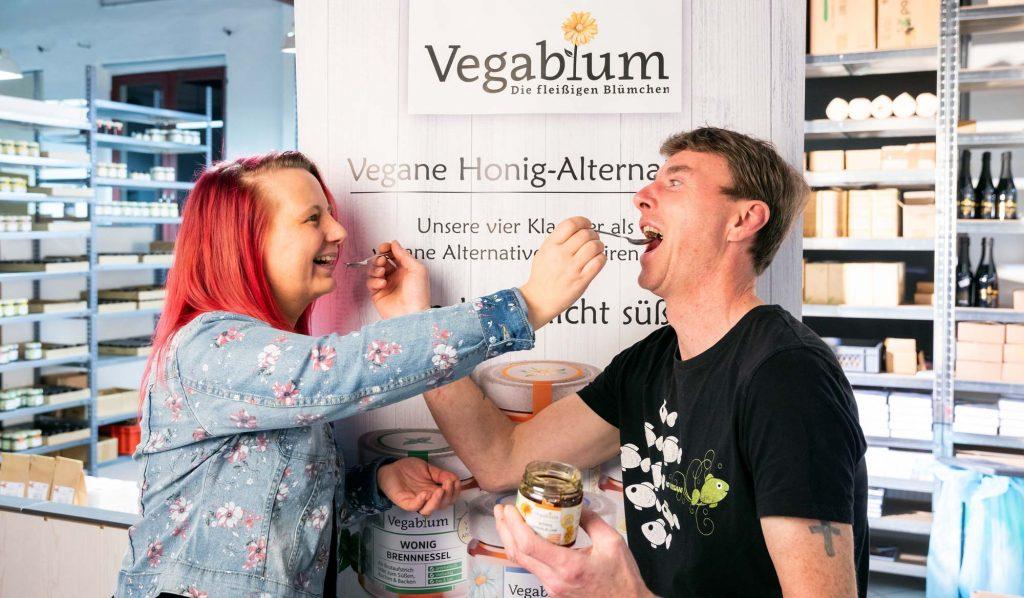 "Honigalternative ""Wonig"". Veganer Honig. Wonig Gründer Danny und Stephan."