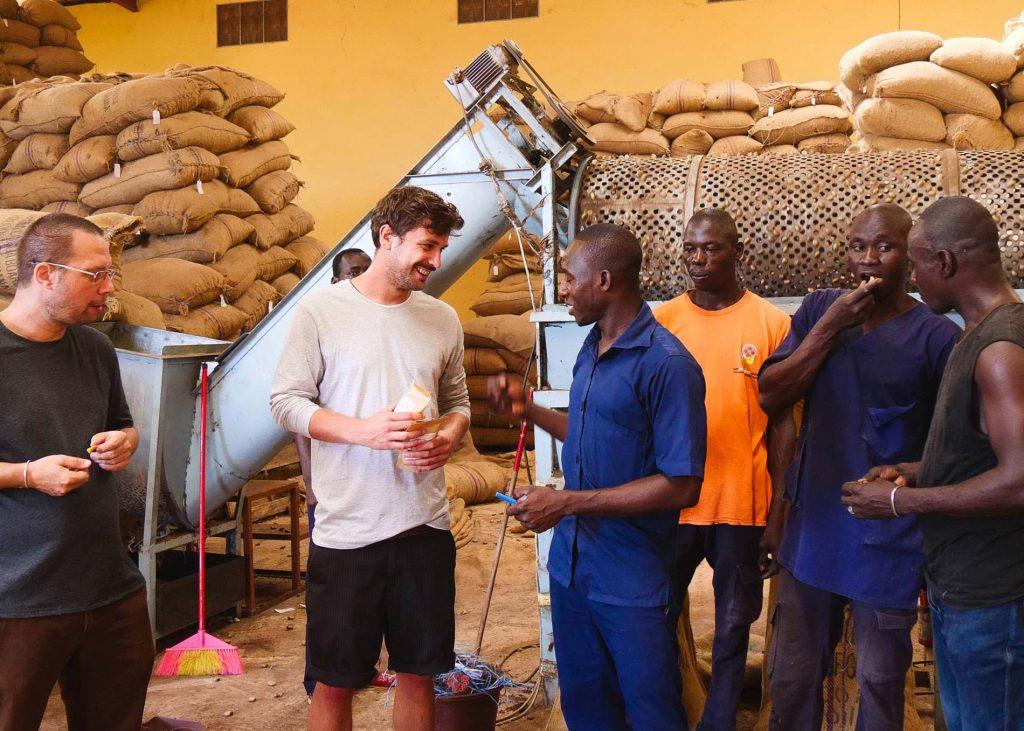 Fairfood fairer Cashewanbau in Afrika.