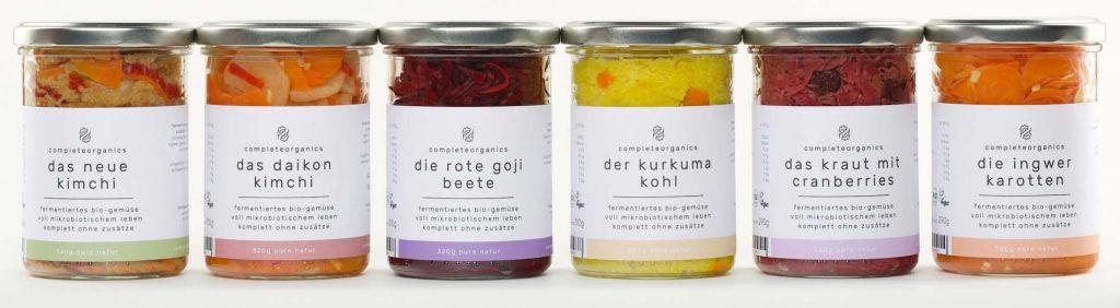 complete organics fervente wie Kurkuma Kohl, rote Beete, Kimchi oder Karotten.
